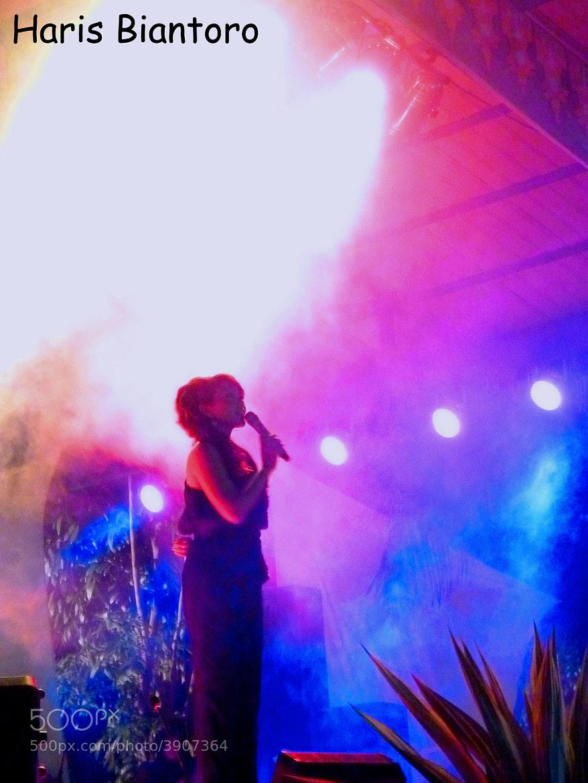 Photograph sing & light by Haris Biantoro on 500px
