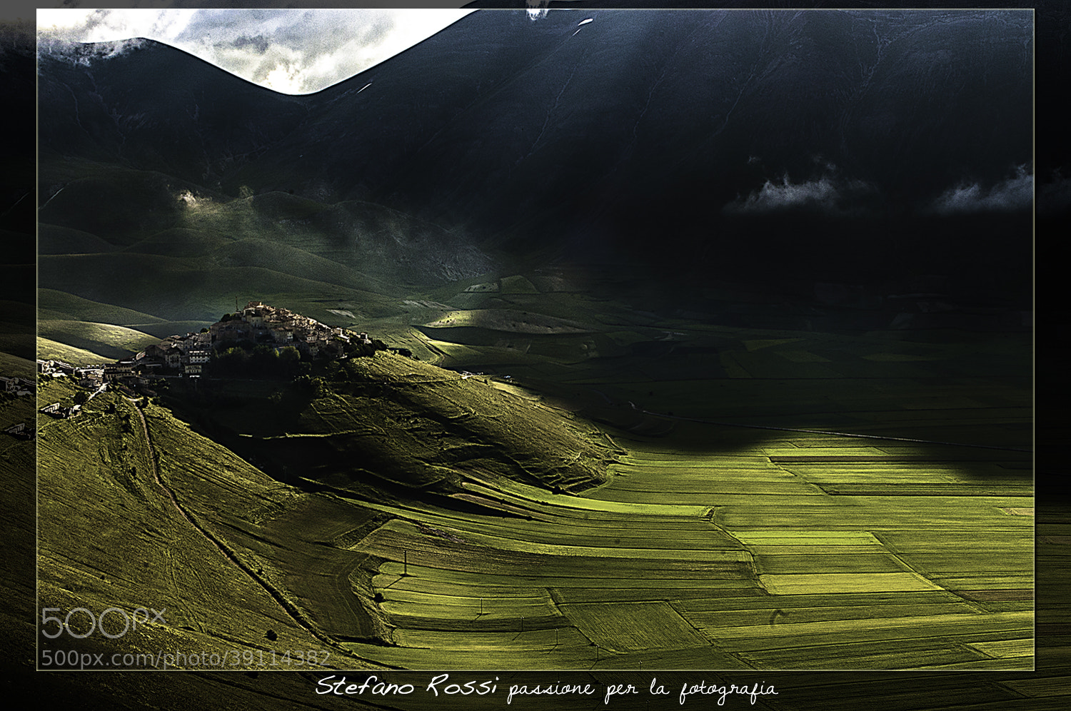 Photograph Castelluccio di Norcia by Stefano Rossi on 500px