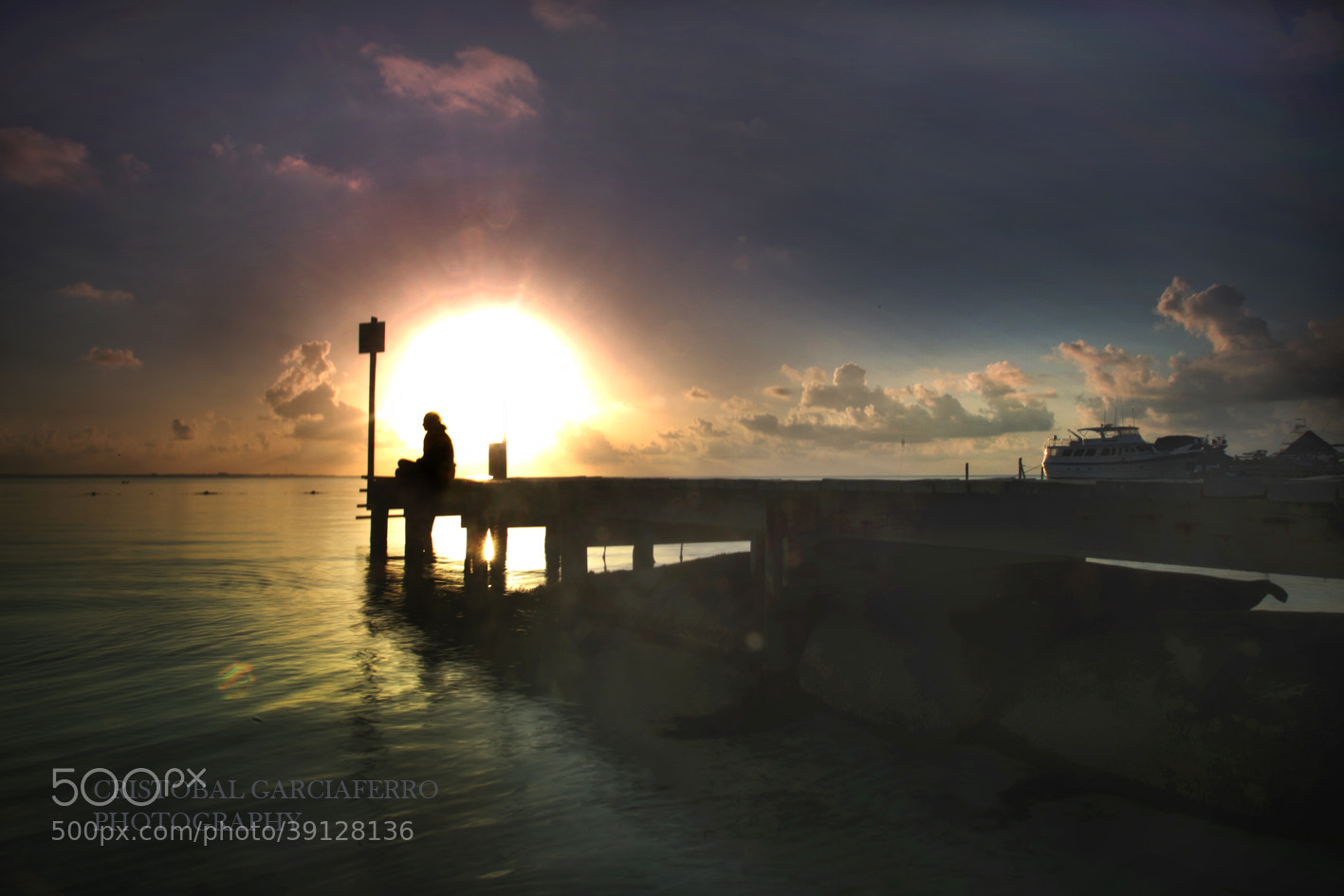 Photograph Lady at sunrise in Cancun by Cristobal Garciaferro Rubio on 500px