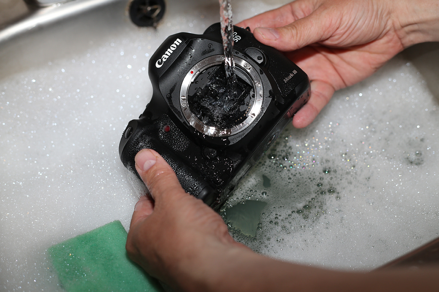Photograph Cleaning My Canon 5D Mark III by Alan Coles on 500px