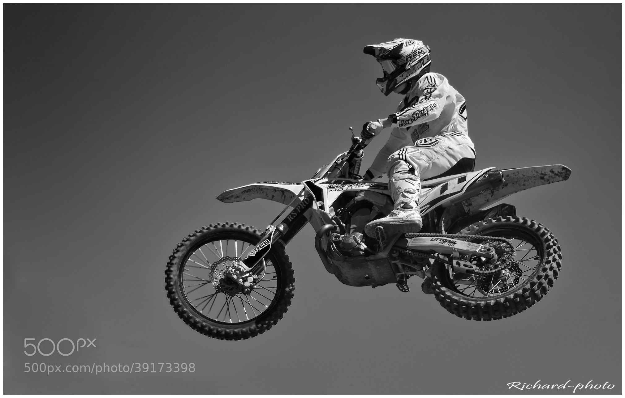 Photograph Moto by Richard Echasseriau on 500px