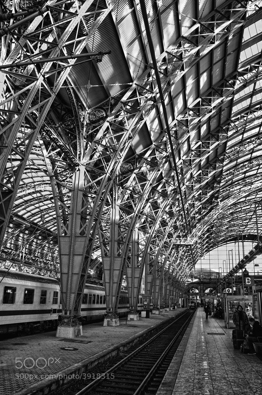 Photograph Frankfurt Hauptbahnhof Interior by Ken Shelton on 500px