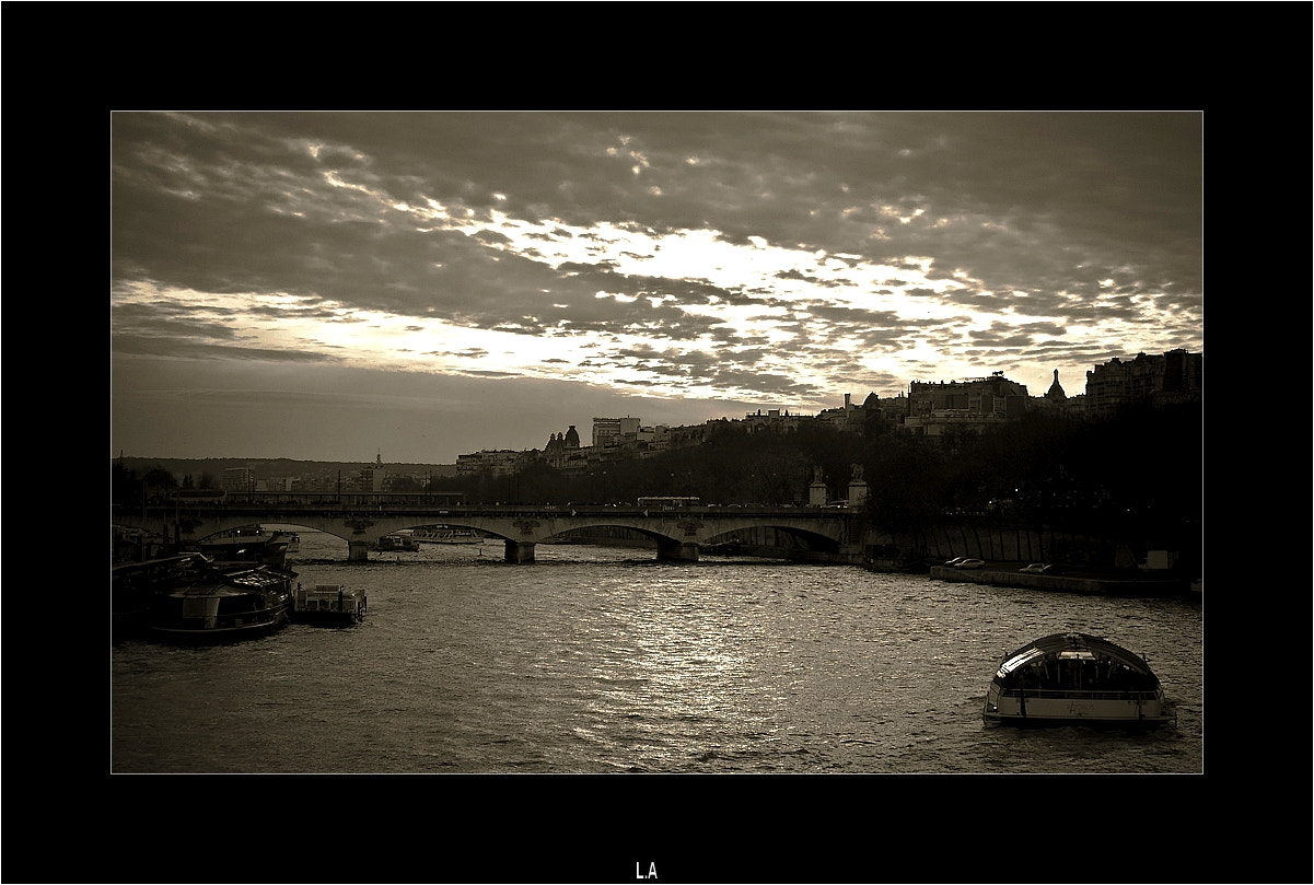 Photograph Navigate the Seine by Loïc Auffray on 500px