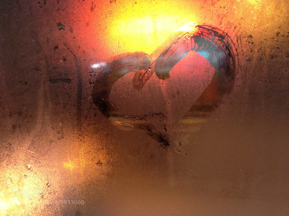 Photograph Heart on window by Linus Lee on 500px