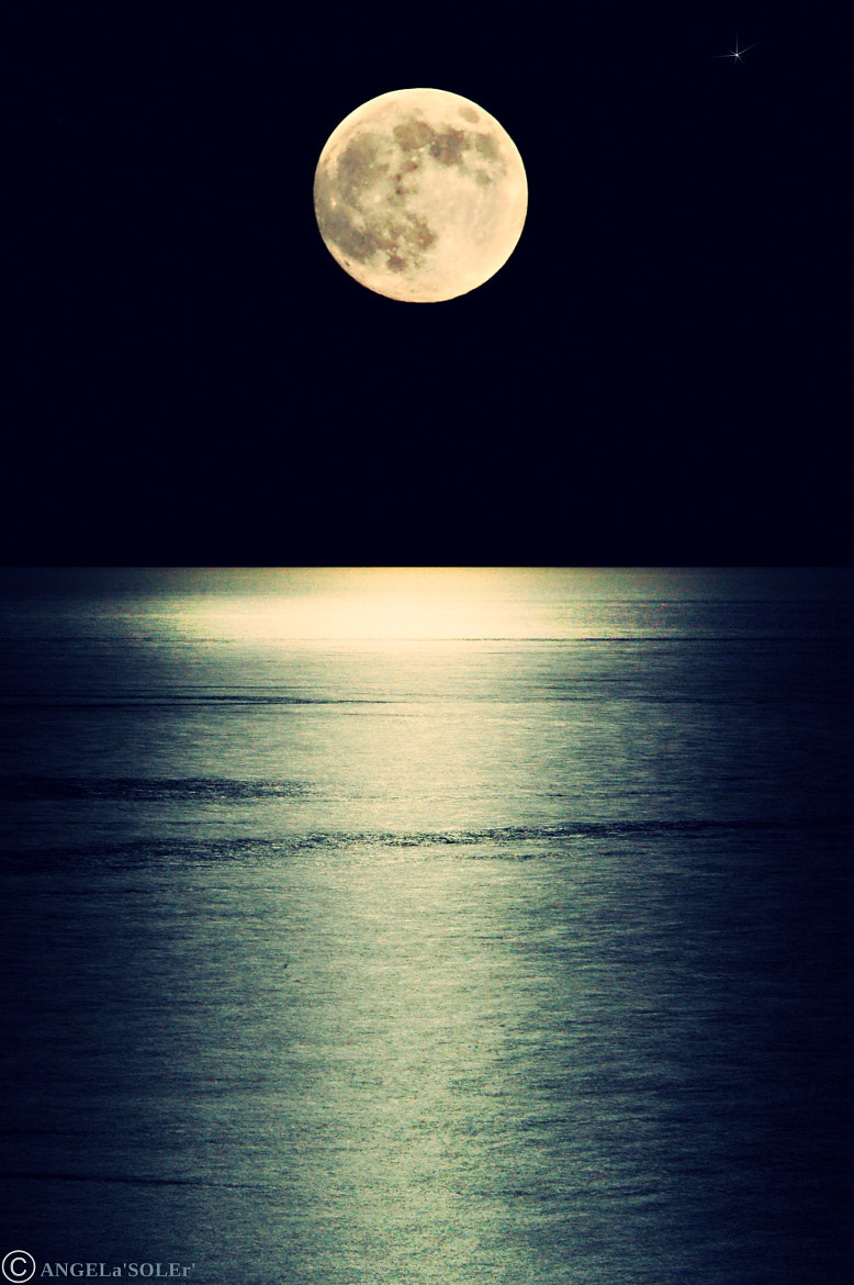 Photograph Supermoon 2013 by Angela Soler on 500px