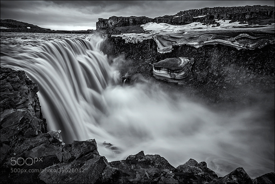 Photograph 200 m³ water/second by Sus Bogaerts on 500px