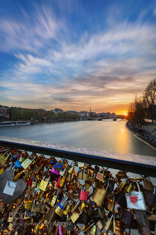 Photograph Un soir d'hiver au pont des arts by Sina Djor on 500px