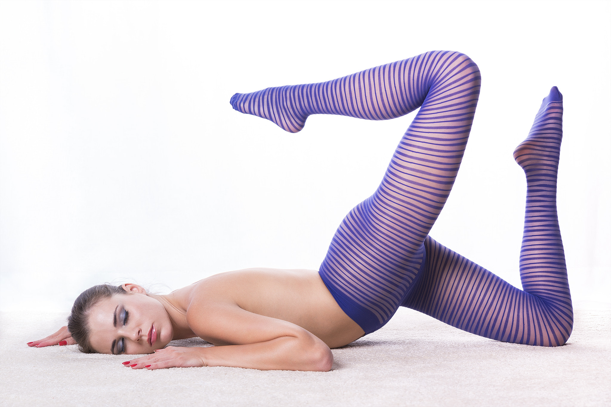 Photograph Blue tights by Guenter Stoehr on 500px