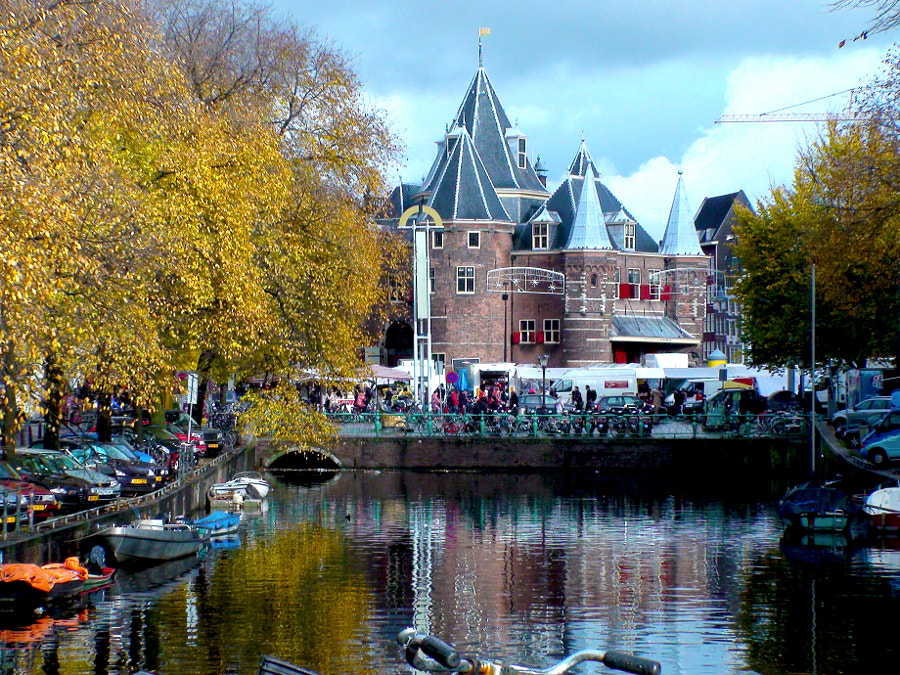 Restaurant on the Canal