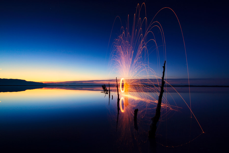 Photograph spin at the fence by Scott Stringham on 500px