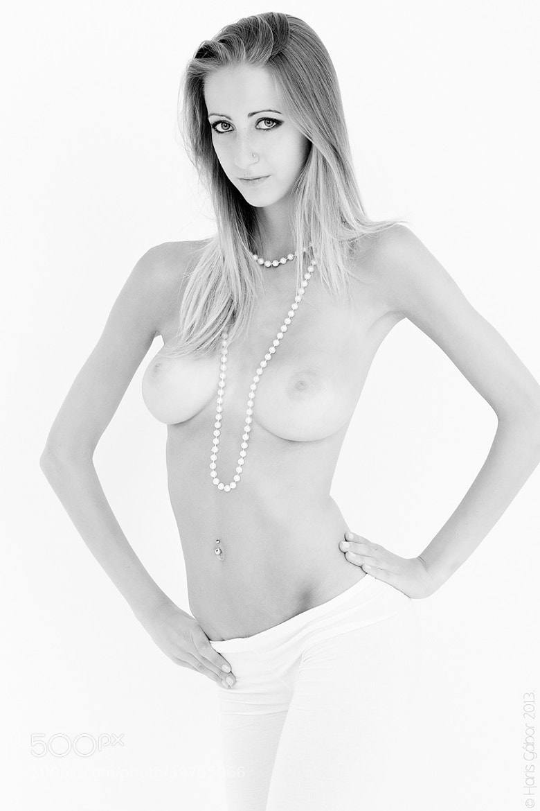Photograph Pearl necklace by HGL _Photo on 500px