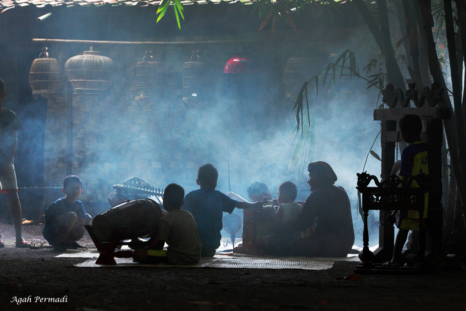 Photograph Preparing for Ritual by Agah  Permadi on 500px