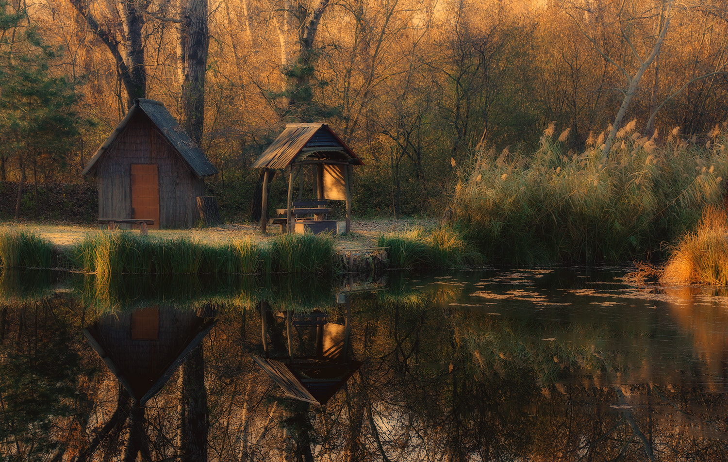 Photograph The Lake House by Andy 58 on 500px