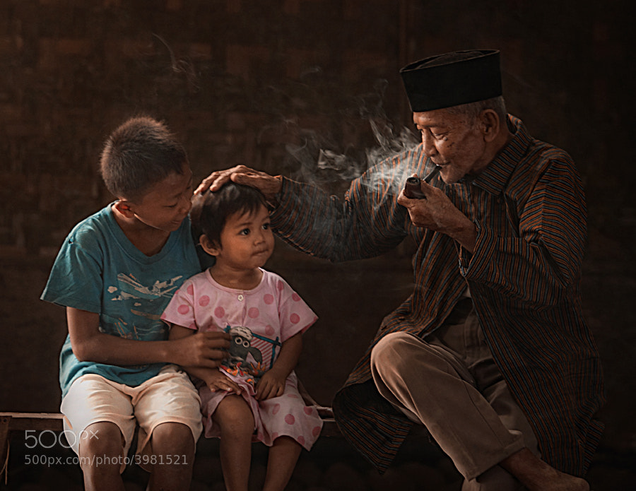 Photograph my grandchild by taufik sudjatnika on 500px