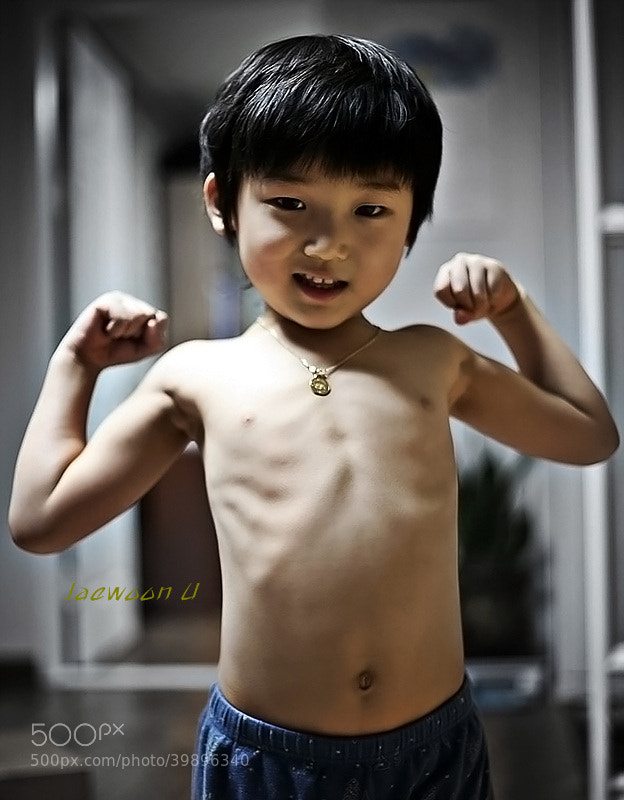 Muscular baby :))