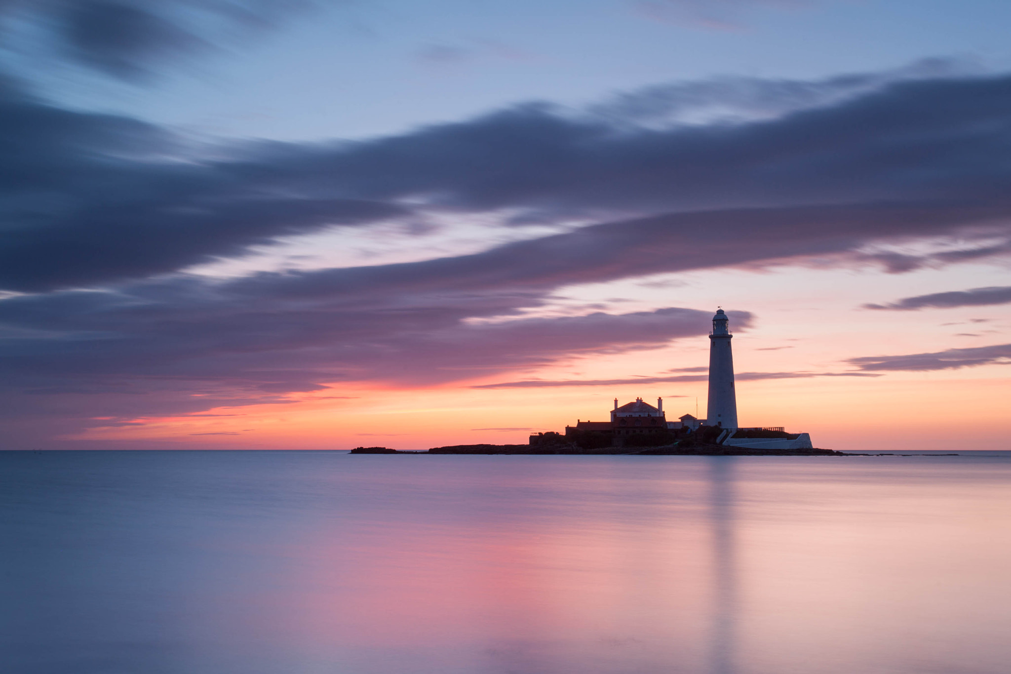Photograph St Mary's Lighthouse by Carl Mickleburgh on 500px