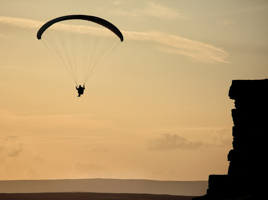 Paragliding at Curbar Edge