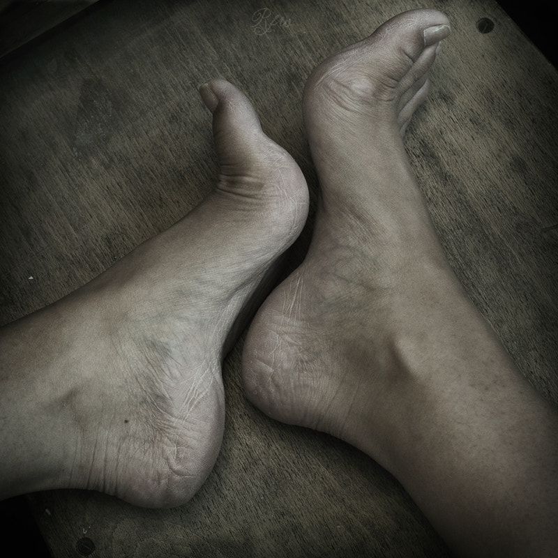 Photograph Feet  by Sabrina de Vries on 500px