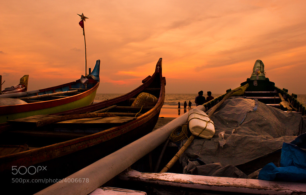 Photograph Between Boats and Tides by Nirmal Kumar on 500px