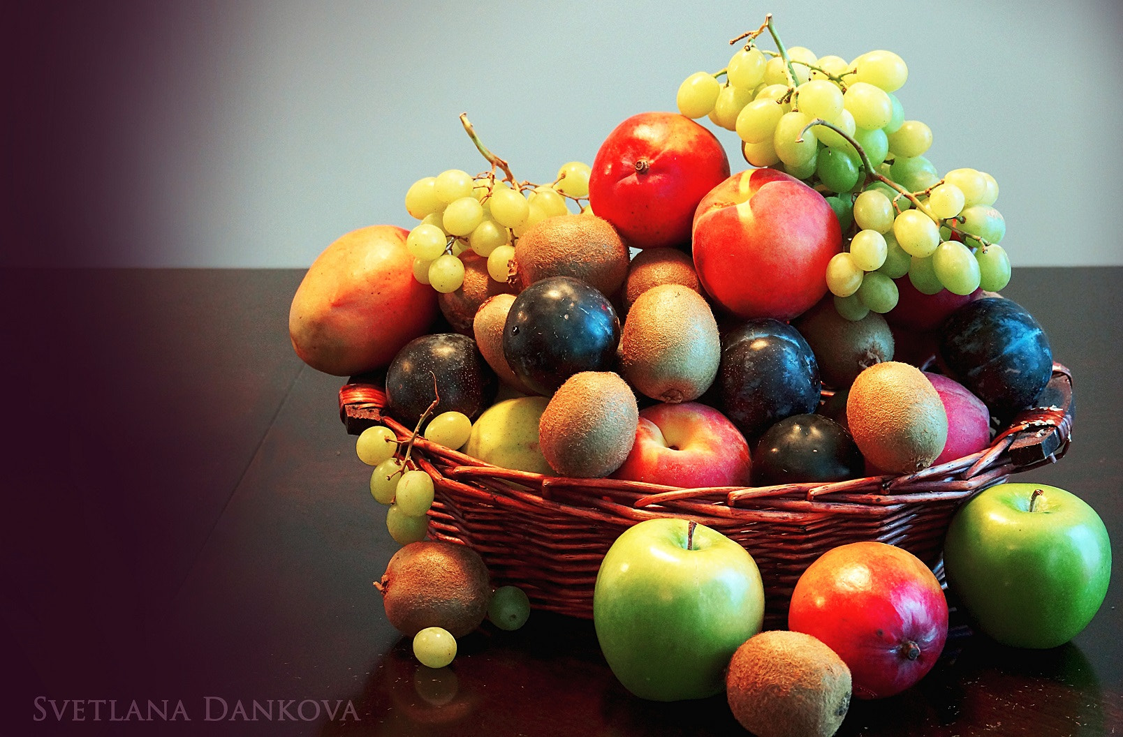 Photograph The basket of fruit by Svetlana   on 500px
