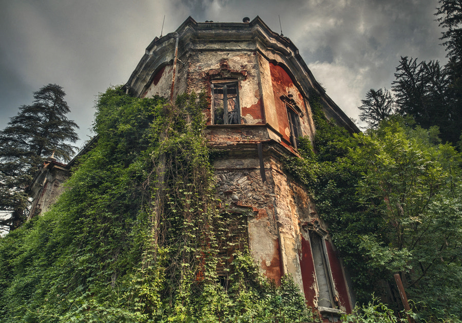 Photograph ghost mansion,Villa de Vecchi, 1858 by FeFoPhotography  on 500px