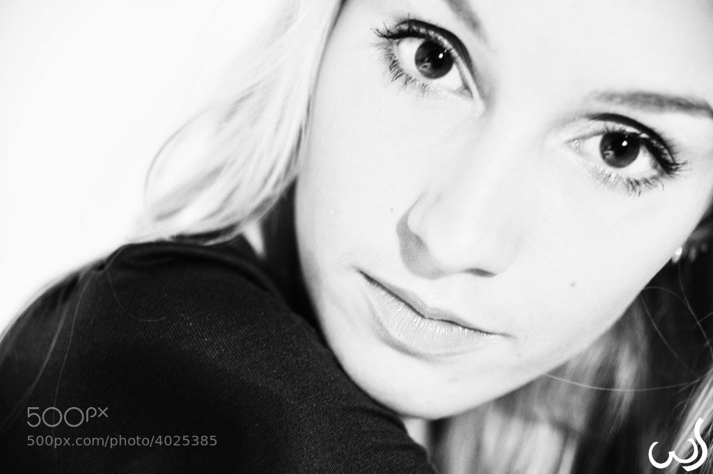 Photograph Nina by Wolfgang Schroffner on 500px