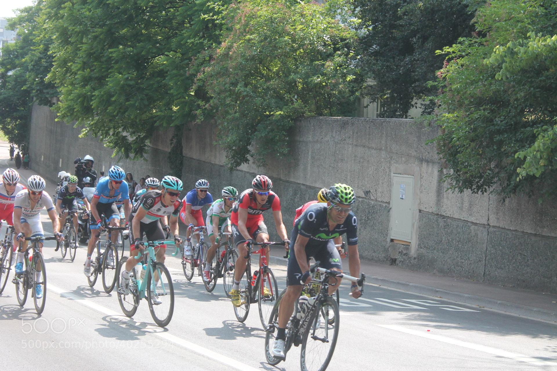 Photograph Le Tour de France Lyon by GABRIEL ANNE MARIE on 500px