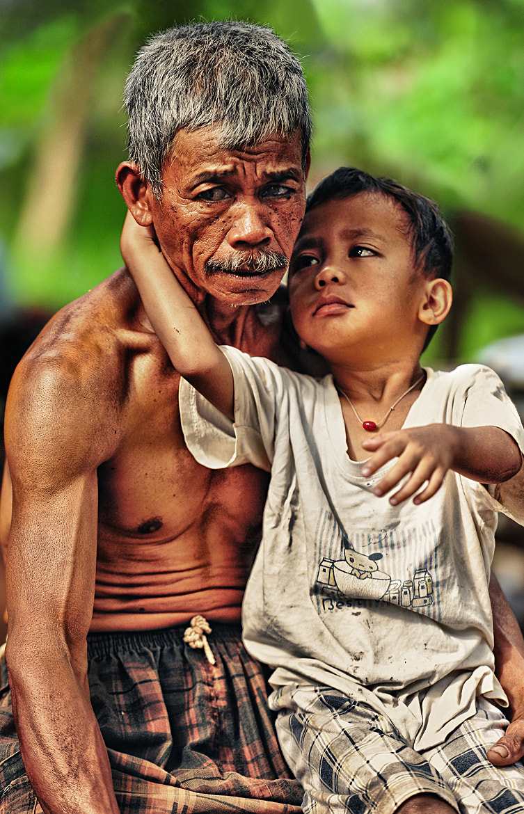 Photograph Grandpa.. don't be sad by Mieke Suharini on 500px