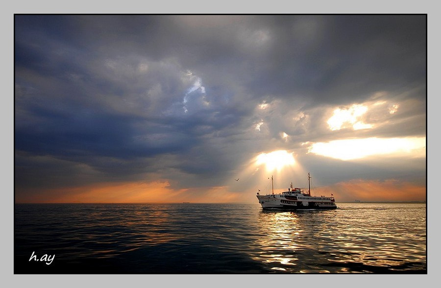 Photograph Le bateau by HUSEYIN AY on 500px