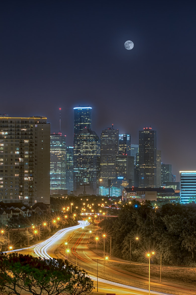 Photograph Houston Supermoon by Kevin Duvernay on 500px