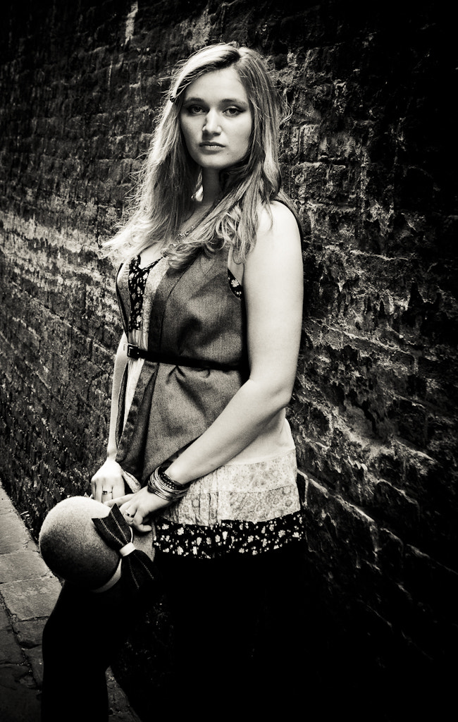 Photograph Kay in Wapping by Gustavo Dragunskis on 500px