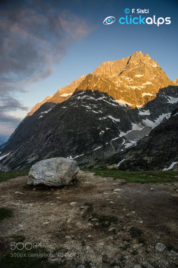 Photograph Lumiére sur le Mont Gruetta (Val Ferret, Valle d'Aosta - Vallée d'Aoste) by Francesco Sisti on 500px