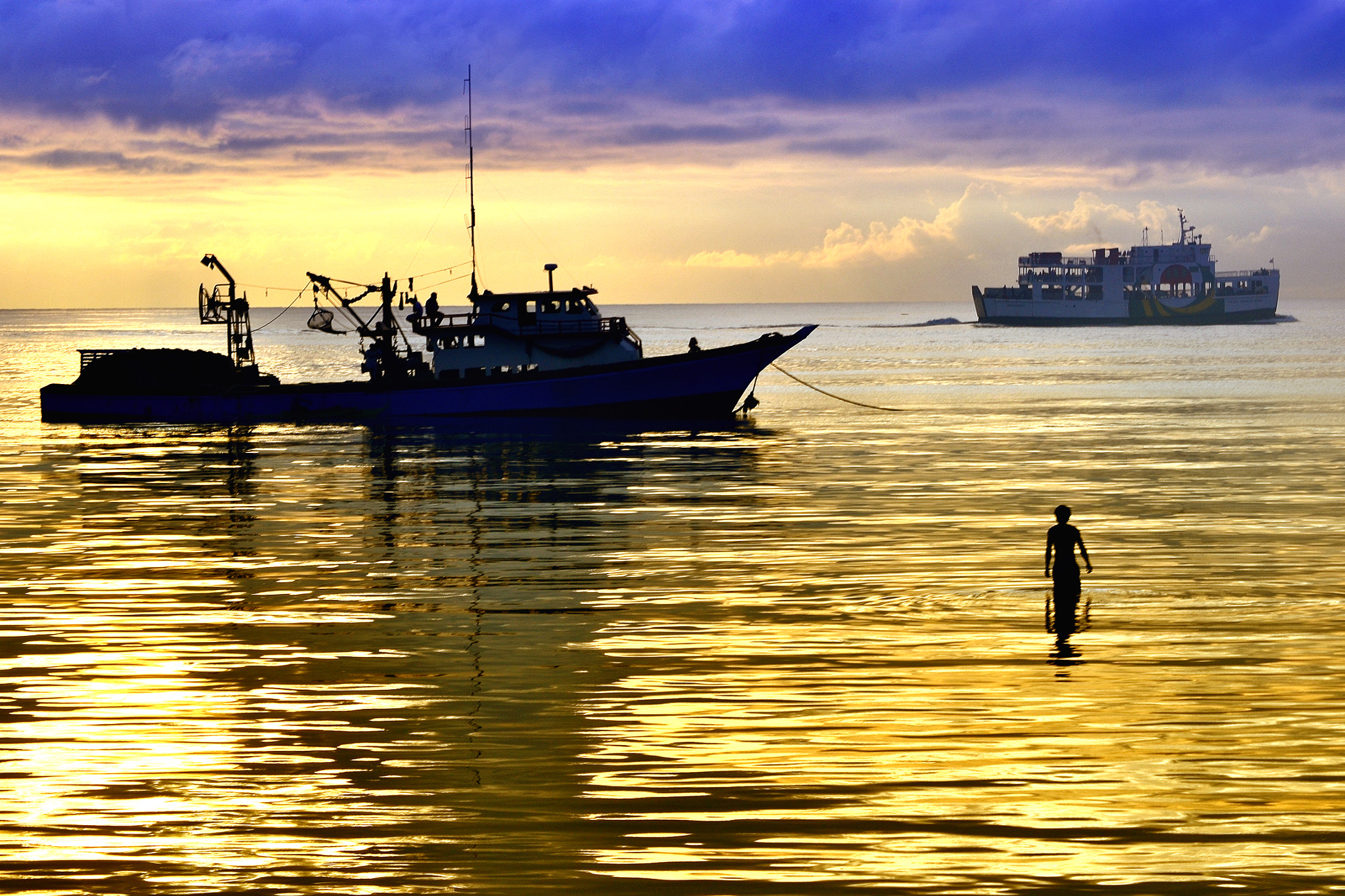 Photograph Golden Sunrise by Wilfredo Lumagbas Jr. on 500px