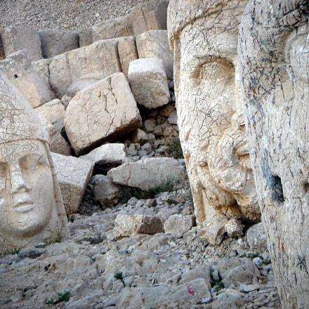 Nemrut Statue Heads