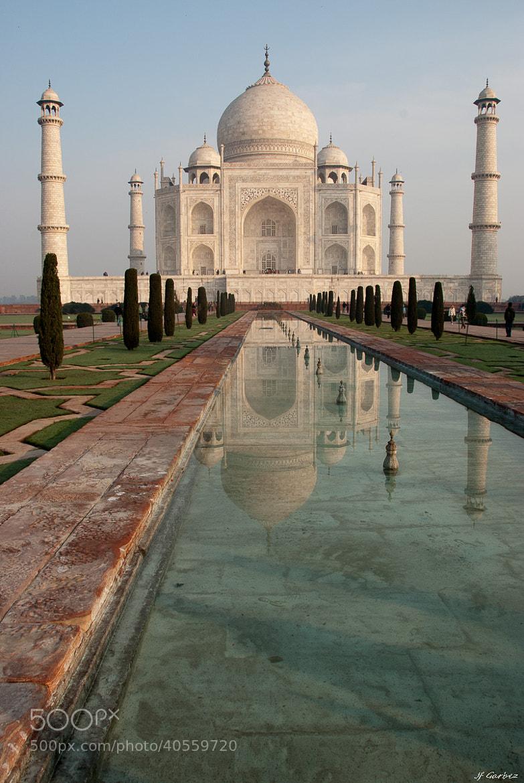 Photograph Taj Mahal (ताज महल) et son reflet #2 by Jean-François Garbez on 500px