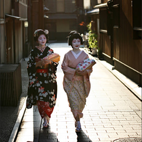 Maiko and Geiko by Woosra Kim (woosra)) on 500px.com