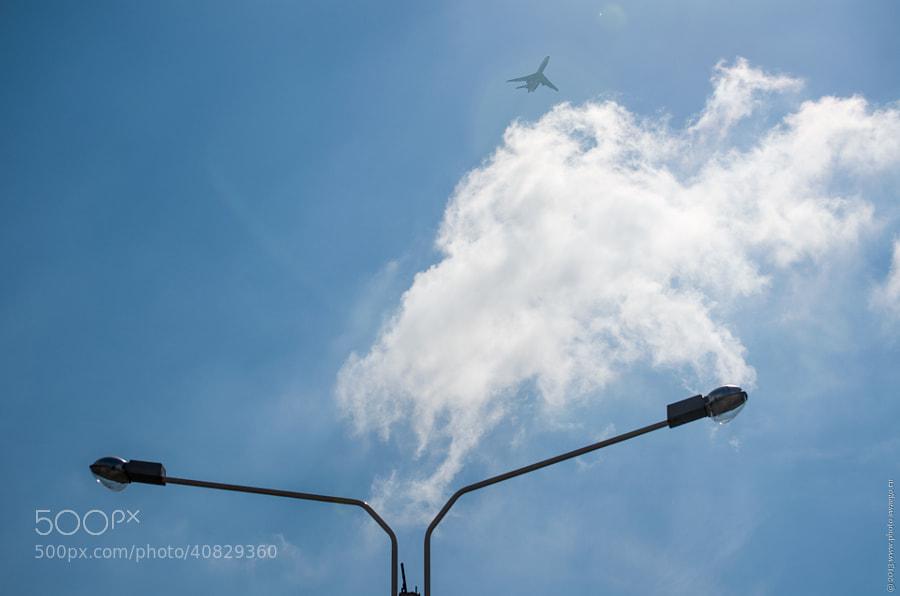 Fly by Tolik Maltsev on 500px.com