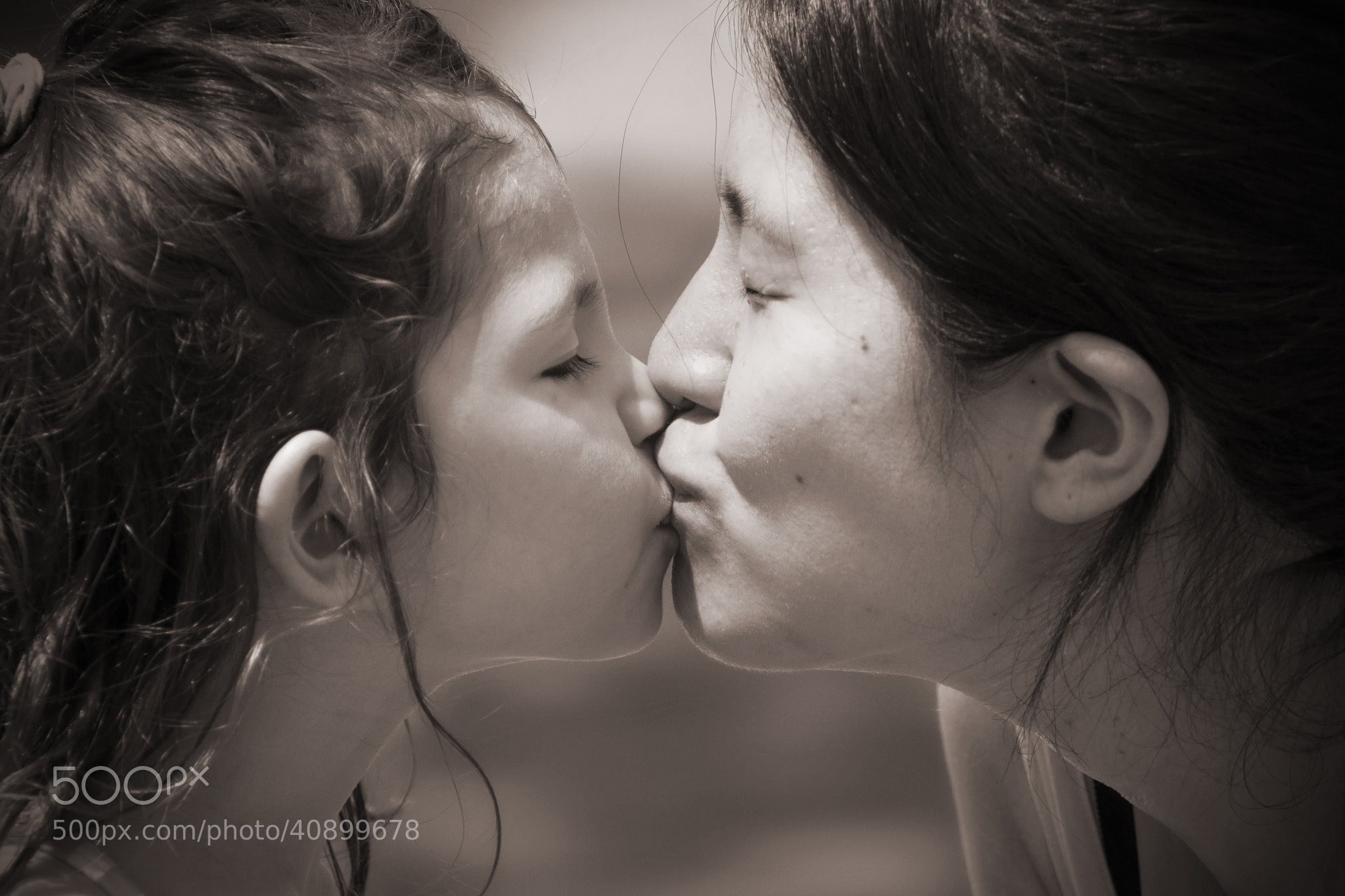 Photograph The Kiss by Daan Thorn Leeson on 500px