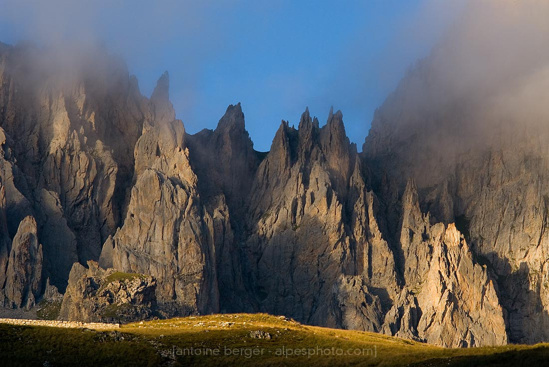 Photograph wall of rocks ! by Antoine Berger on 500px