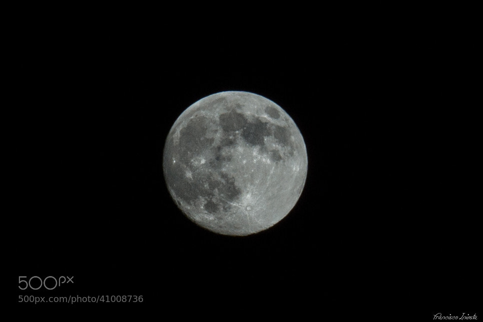 Photograph Moon by Francisco Iniesta on 500px