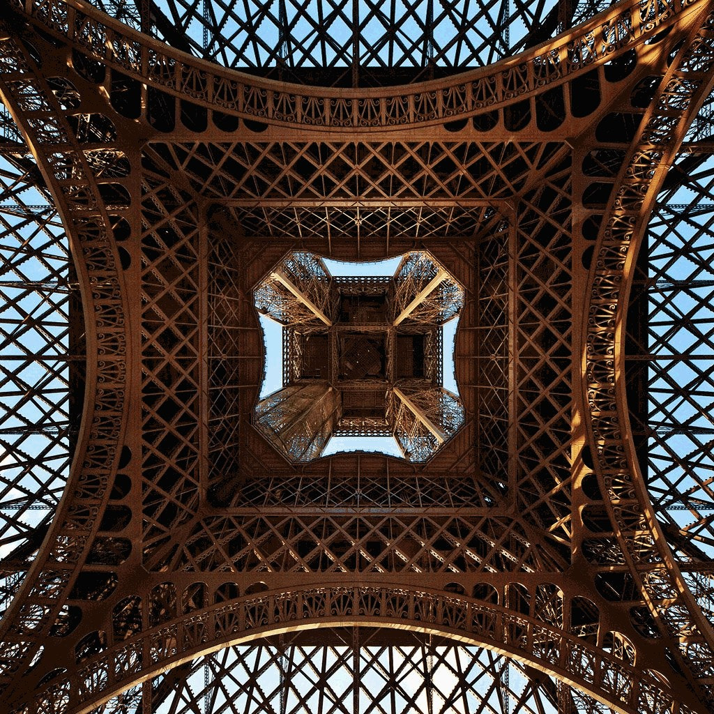 Photograph Under the Tower by Michelle Defavari Castellan on 500px