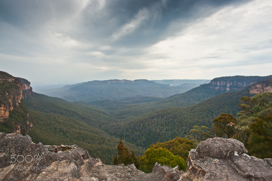 Looking into the Jamison Valley