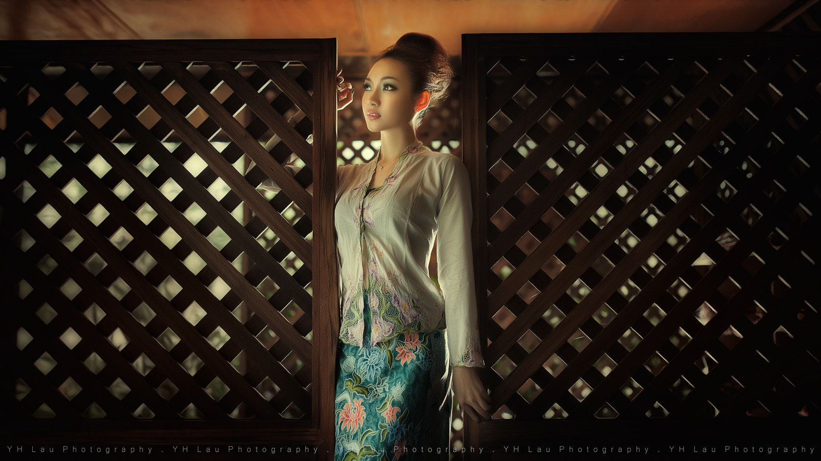 Photograph nyonya by Lau Yew Hung on 500px