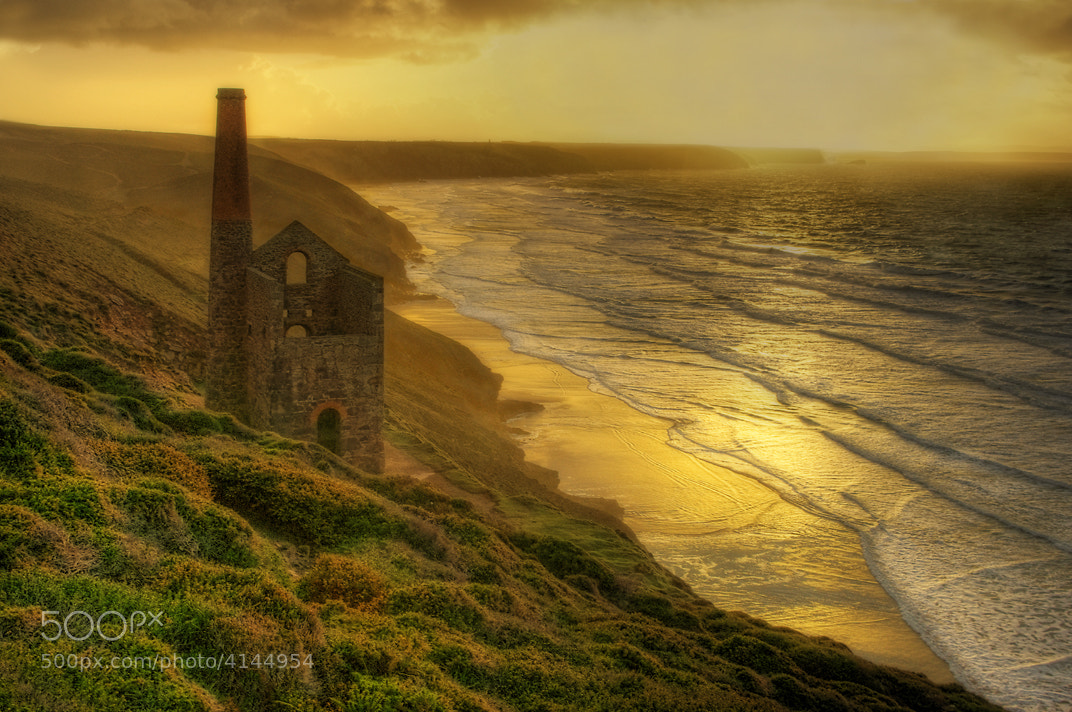 Photograph Towanroath Gold by Phil Hemsley  on 500px
