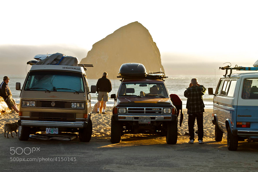 Photograph Surfer Trucks, Pacific City by Rob Sentz on 500px