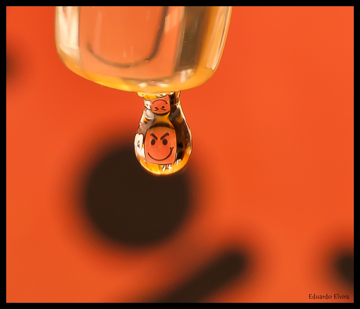 Photograph Playing with water drops by Eduardo Elvira  on 500px