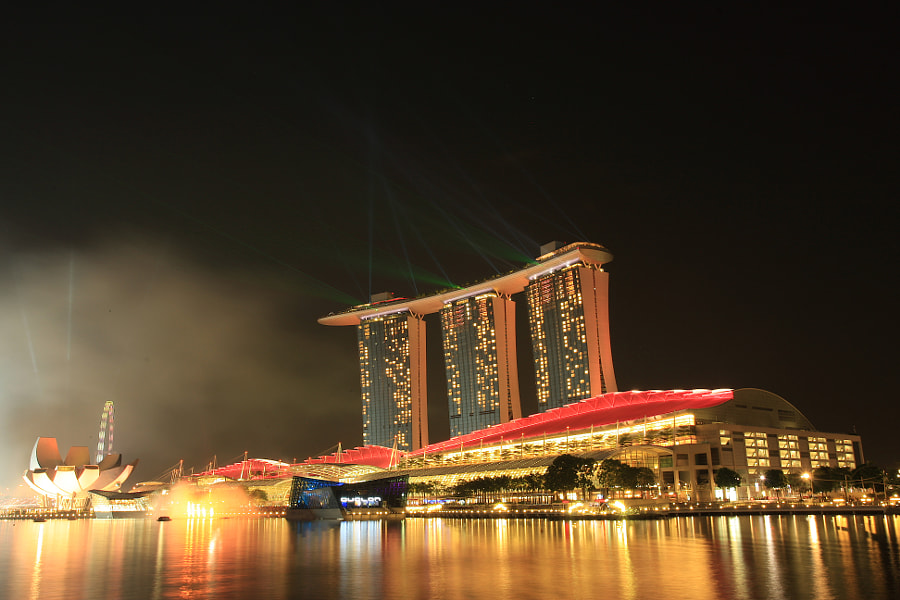 Marina Bay Sands (Bright and Misty)