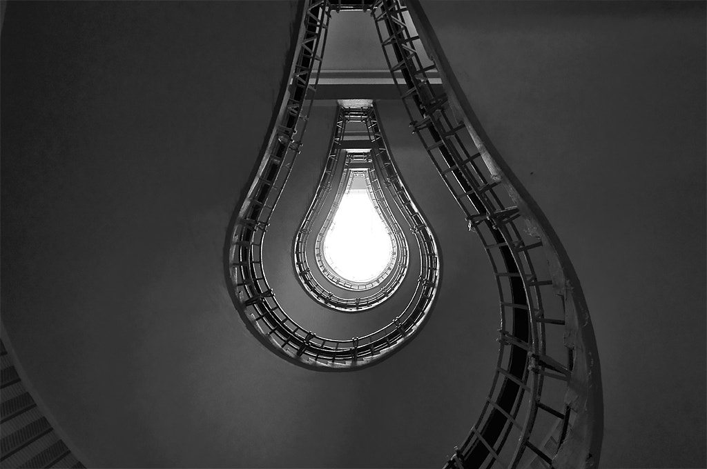 Photograph switch off the light bulb by Alessandro Galloni on 500px