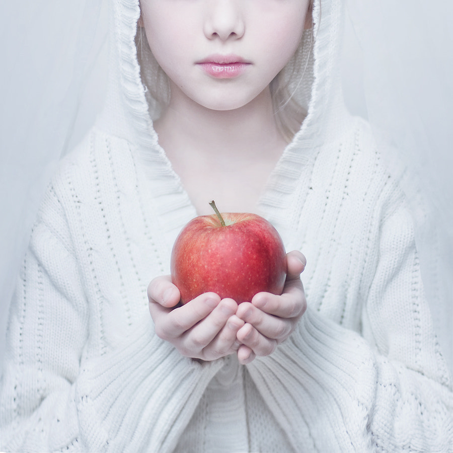 Photograph Snow White by Magdalena Berny on 500px