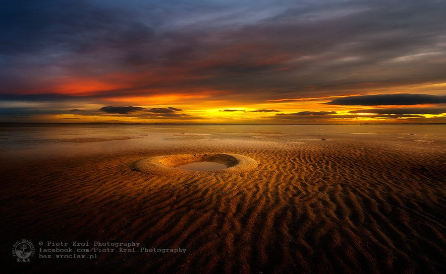Photograph hole by Piotr Krol on 500px